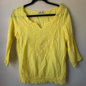 OLD NAVY 3/4 sleeve yellow embroidered top | sz S